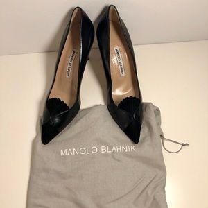 Sz 38 Black Leather & Suede Manolo Blahnik Heels